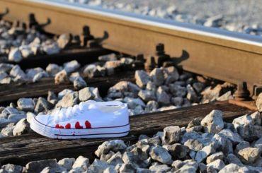 Попавшим под поезд петербурженкам ампутируют конечности