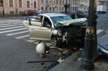 Четыре пассажирки пострадали вДТП наЛитейном проспекте