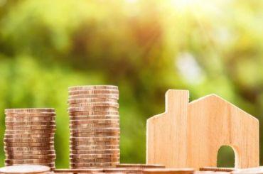 Петербургские дольщики начали получать деньги занедостроенное жилье