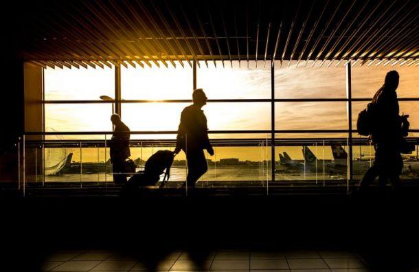 Рейс изПетербурга вПодгорицу задержат надва часа