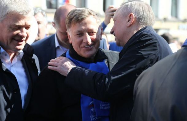 «Ваши дела освящены великой целью»: Макаров поздравил Беглова сизбранием