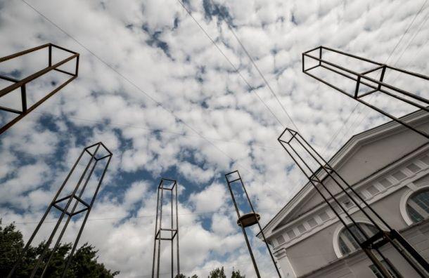 УМанежа открылся фестиваль-инсталляция «Тридцать Три Звука»