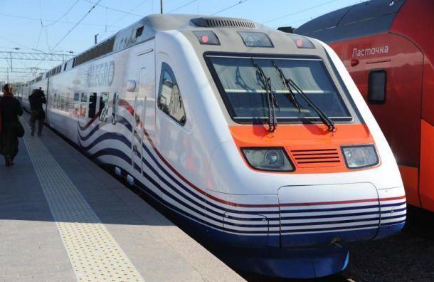 Пассажирку «Аллегро» госпитализировали после падения сподножки поезда