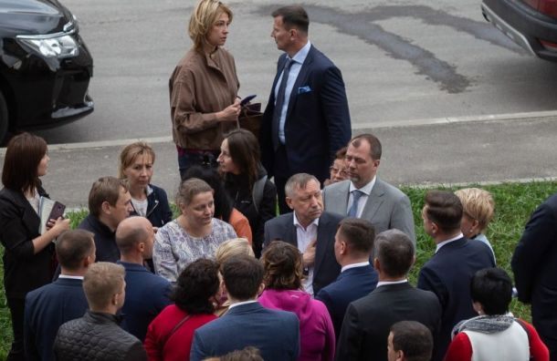 Беглов впервые после выборов встретился спетербуржцами