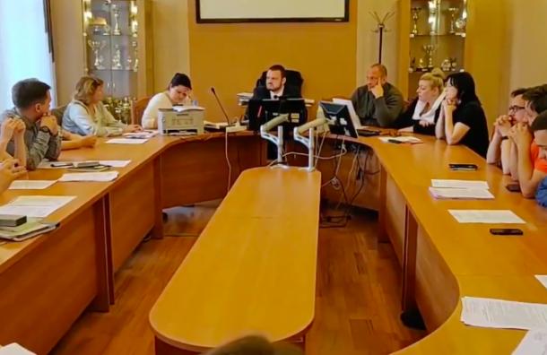 ИКМО «Смольнинское» отклонила все жалобы единороссов