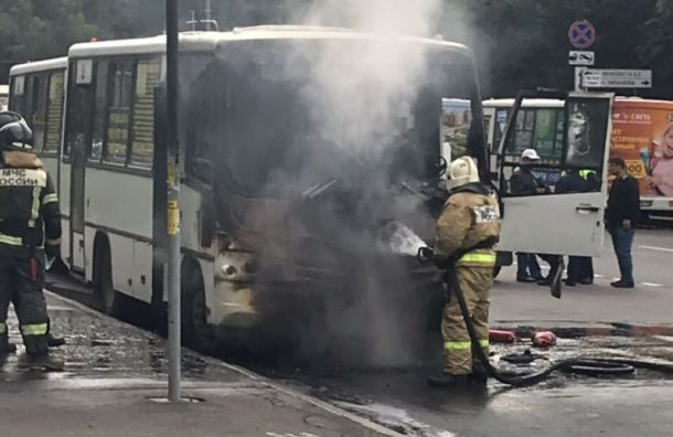 Маршрутка загорелась настанции метро «Московская»