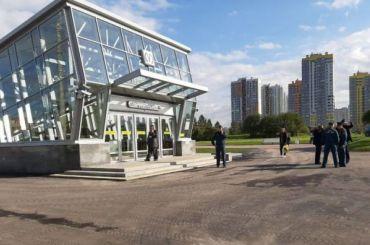 Пассажиру тут неместо: Беглов открыл новые станции метро втестовом режиме