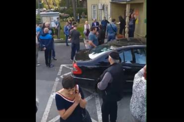 Местные жители контролируют пересчет голосов вЛисьем Носу