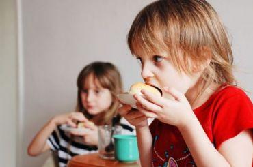 Обеды впетербургских школах подорожают на6 рублей