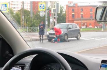 Иномарка сбила девочку назебре