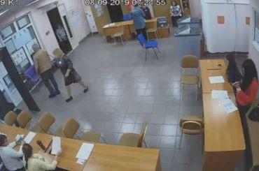 Избирательные участки вПетербурге начали работу