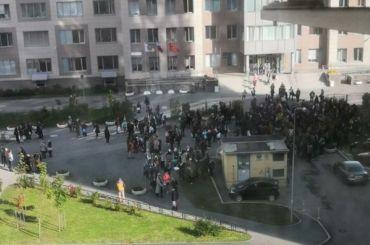 Три школы вПетербурге эвакуировали из-за сообщений обомбе