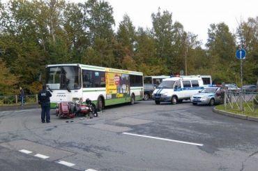 Водитель Harley-Davidson оказался вбольнице после ДТП савтобусом