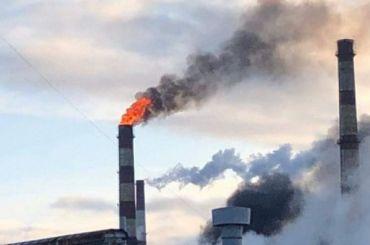 Нефтеперерабатывающий завод загорелся вКиришах