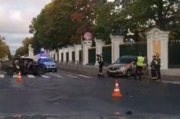 Пьяный водитель Lada пострадал, подбив машину охранного предприятия