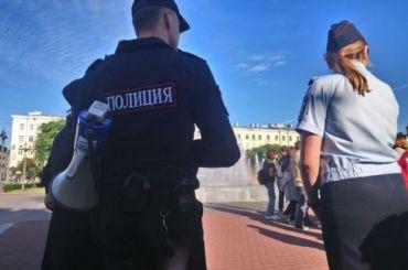 ФСБ устроила облаву на полицейские машины в Петербурге