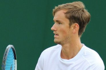 Лучший теннисист России планирует выступить вПетербурге