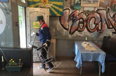 Смольный выселил несколько незаконных кафе втрех районах города