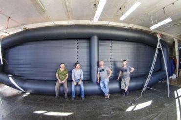 Петербуржцы создали самую большую вмире надувную лодку