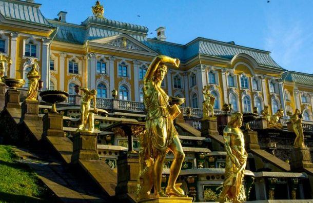 Петербургские фонтаны начали готовить кзимнему отпуску