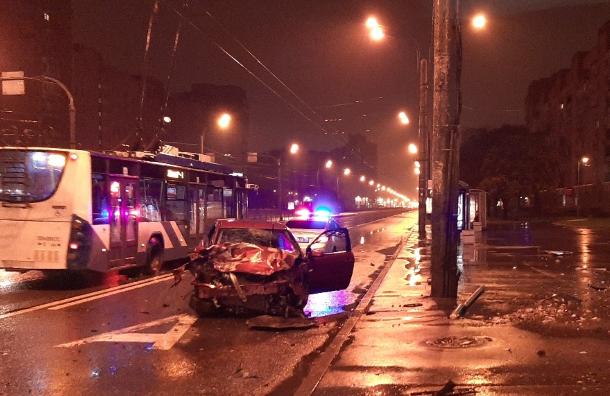 Пенсионерка погибла вжуткой аварии наЛенинском проспекте