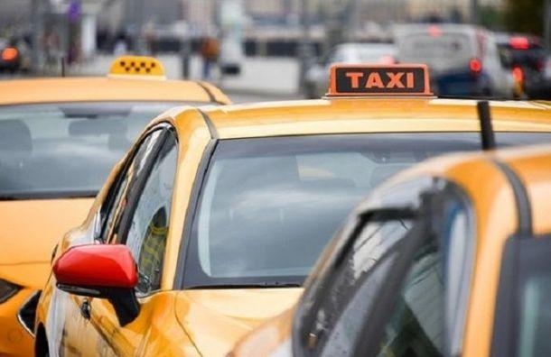 Лишенный прав водитель «Яндекс.Такси» катался поПетербургу пьяным