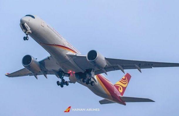 Самолёт изПекина запросил аварийную посадку ваэропорту Пулково