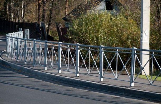 Опасные перекрестки вПетербурге оснастят ограждениями