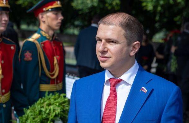 Депутат Госдумы Михаил Романов пройдется покупчинским рюмочным