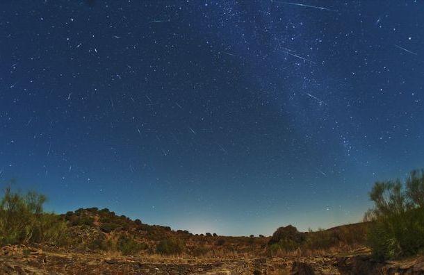 Петербуржцы смогут увидеть звездопад Дракониды
