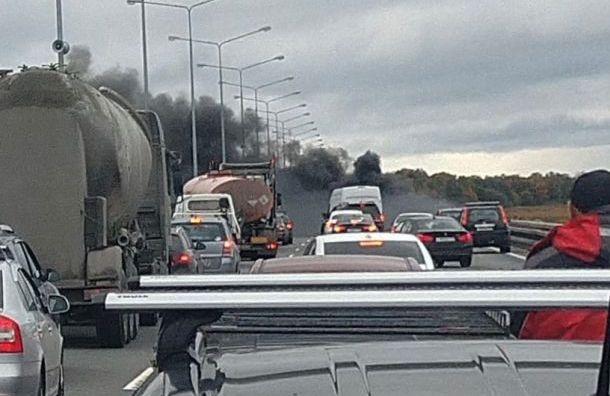 Renault Megane устроил дымовую завесу надамбе