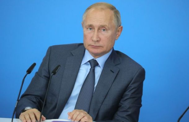 Владимир Путин поднял зарплату себе, Медведеву иШойгу