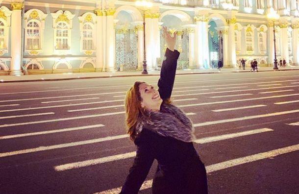 Сестра Цукерберга прогулялась поПетербургу ипопробовала водку