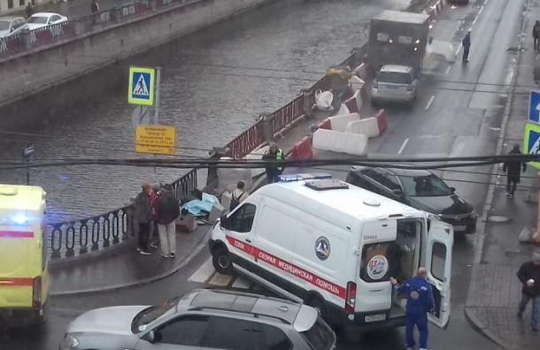 Toyota насмерть сбила гражданина Китая наГороховой улице