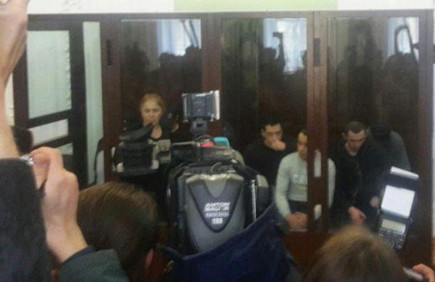 Фигурантам дела о теракте в метро Петербурга продлили арест