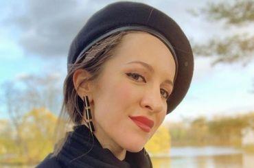 «Непоэтесса, новсе же»: Матильда подколола новую жену Шнурова