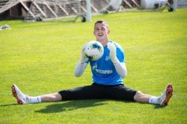 Вратарь «Зенита» Лунев неможет играть из-за хронической травмы