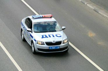 Белый Volkswagen преследовали 15 нарядов ДПС