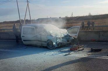 Вмассовой аварии под Кингисеппом погиб один человек