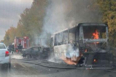 Восемь человек пострадали вДТП смаршруткой наВолхонском шоссе