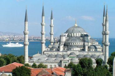 Турция стала самым популярным направлением уроссиян в2019 году