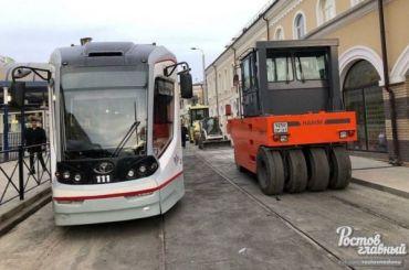 ВРостове-на-Дону кприезду патриарха закатали трамвайные рельсы васфальт