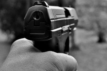 Железнодорожник устроил стрельбу в Шушарах