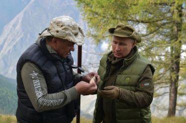 Путин собирал грибы втайге вканун своего 67-летия