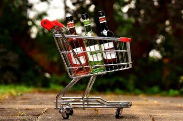 Алкоголь может исчезнуть изсетевых магазинов вПетербурге