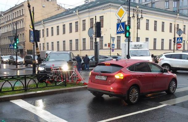 BMW вылетел натротуар напроспекте Чернышевского