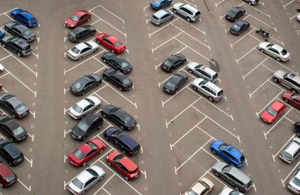 Суд вПетербурге встал насторону власти ввопросе парковки «елочкой»