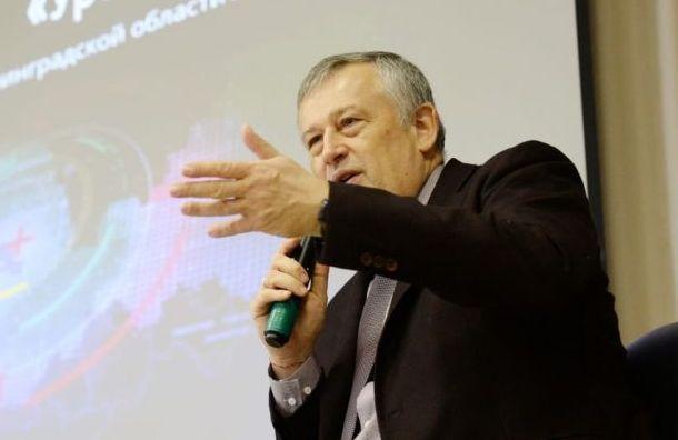 Дрозденко призвал чиновников Ленобласти зарегистрироваться всоцсетях