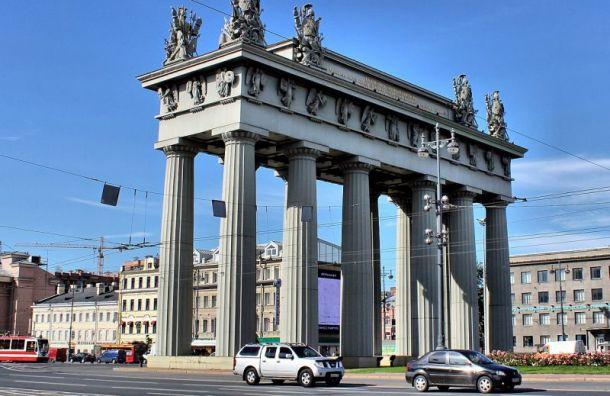 Смольный несмог объяснить появление реагента у«Московских ворот»