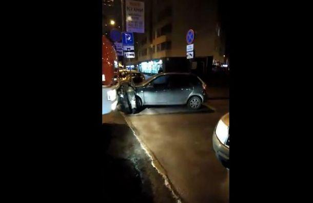 Пожарные застряли вКудрово из-за припаркованных машин